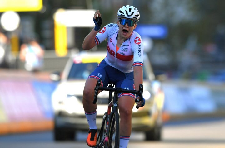 GB's Backstedt beats Schmid to take stunning gold in women's junior road race