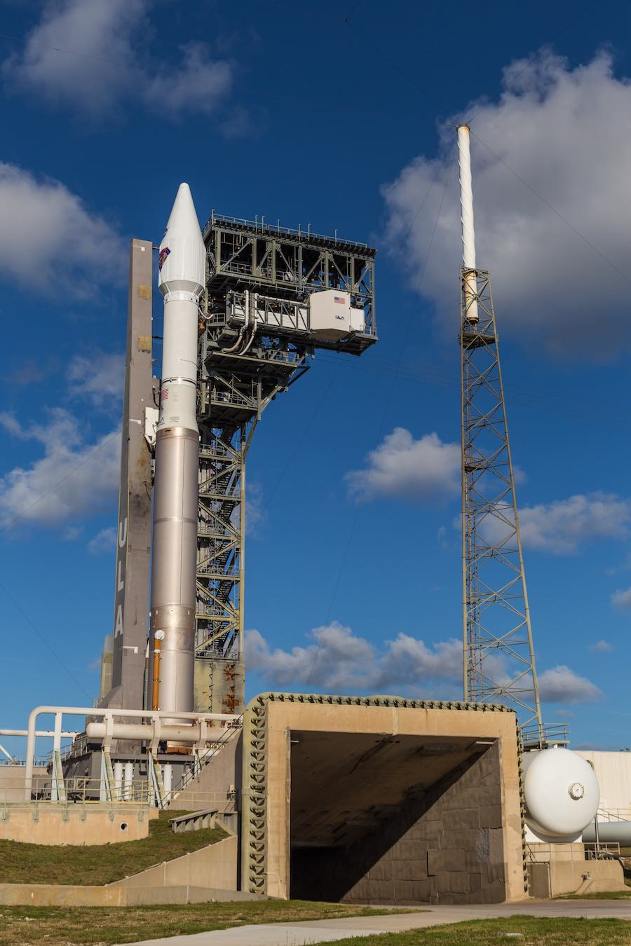 Photos: Atlas 5 rocket stands on the launch pad with NASA's Lucy spacecraft